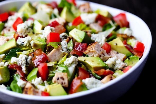 Avakado Soslu Tavuk Salatası Tarifi