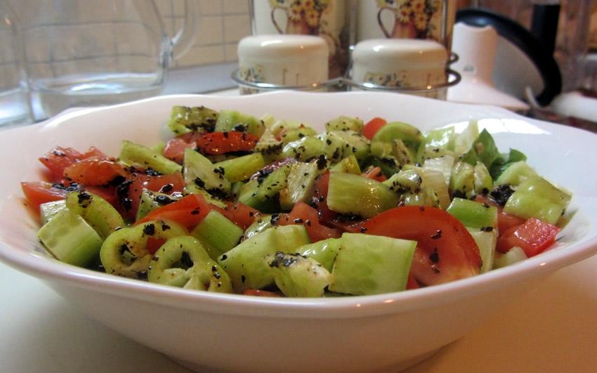 İsotlu Marul Salatası Tarifi