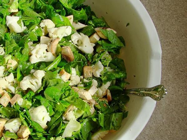 Ispanaklı Karnabahar Salatası Tarifi