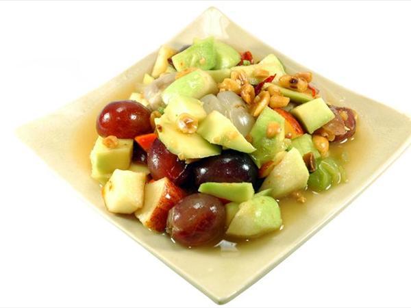 Kuru Yemişli Meyve Salatası Tarifi