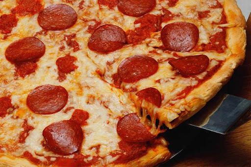 Şark Usulü Sucuklu Pizza Tarifi