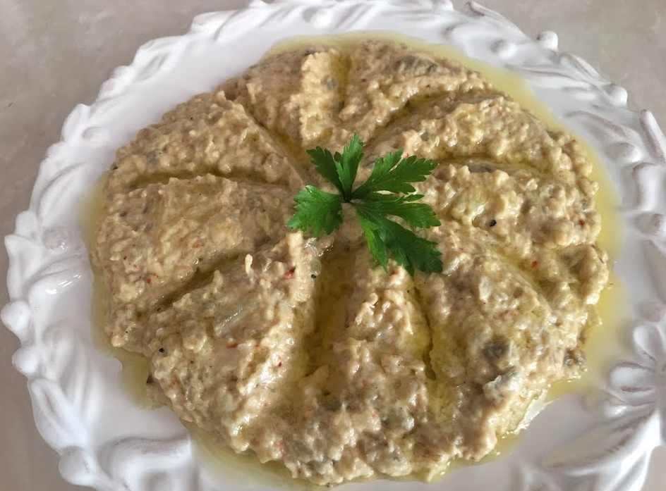 Tahinli Patlıcan Salatası Tarifi
