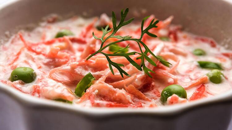 Yoğurtlu Havuçlu Kereviz Salatası Tarifi