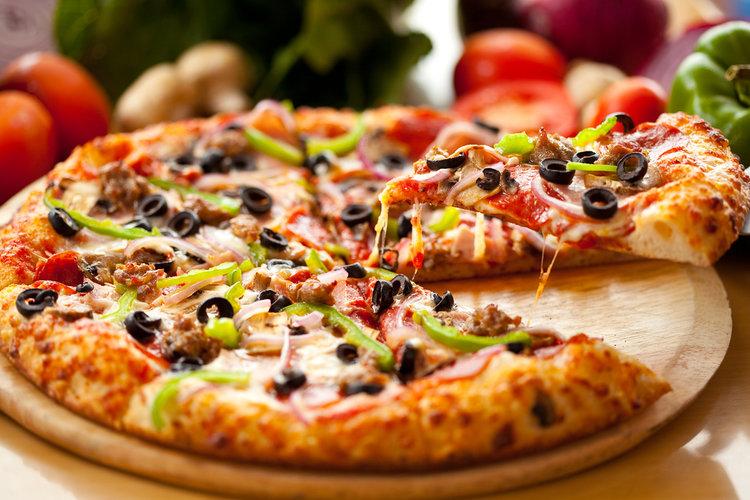Zeytinli Pizza Tarifi