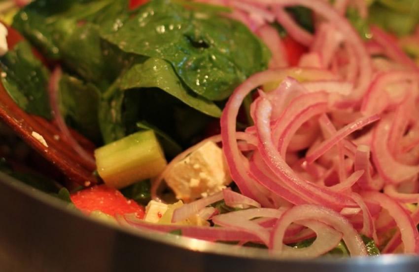 Beyaz Peynir Salatası Tarifi