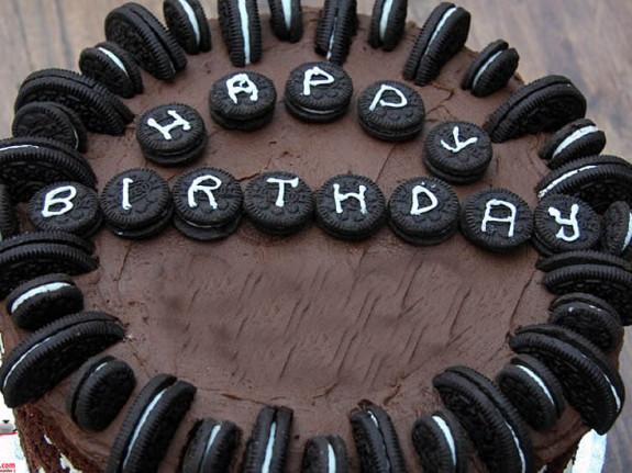 Oreo Bisküvili Doğum Günü Pastası