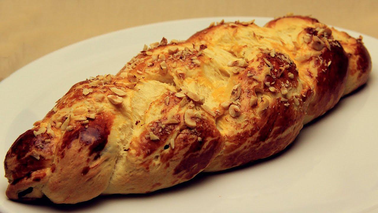 Kuru Üzümlü Paskalya Çöreği