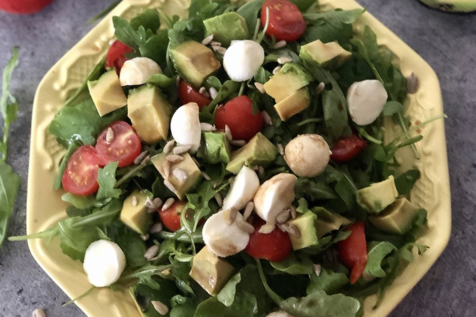 Avakadolu Yaz Salatası Tarifi