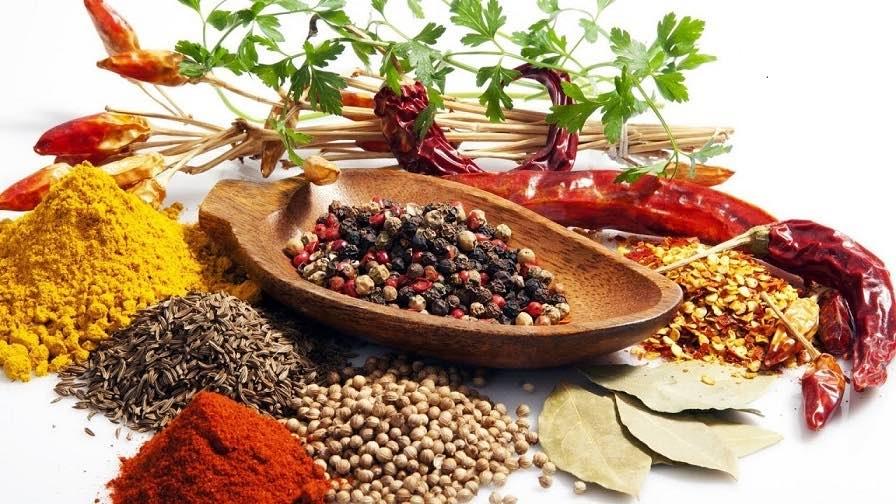 Diyet Listesinde Olması Gereken 12 Bitkiler ve Baharatlar