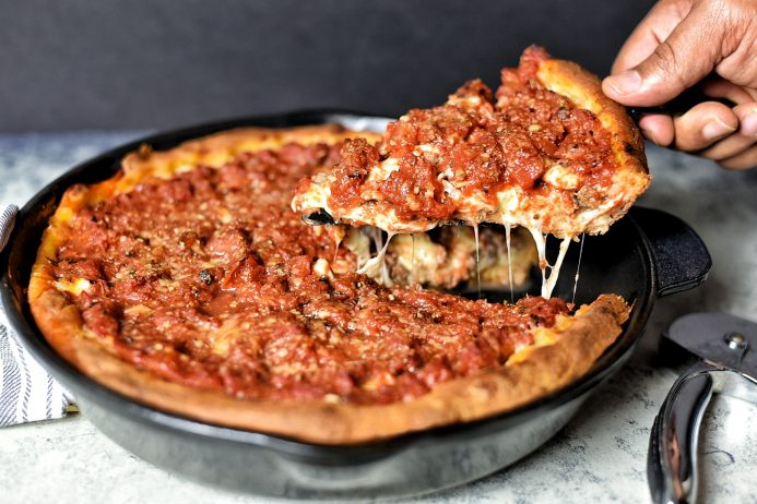 Chicago Usulü Pizza Tarifi